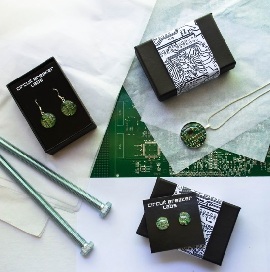 Jewelry packaging and gift wrapping